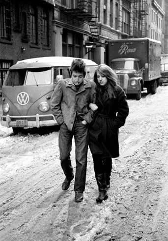 PODCAST:  A HEADFUL OF IDEAS Season One 10:  I Gave Her My Heart…. (Dylan's Early Love Songs)