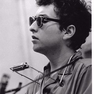 I GAVE HER MY HEART BUT SHE WANTED MY SOUL…:  NARRATIVE APPROACHES IN DYLAN'S EARLY LOVE SONGS